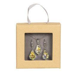 Necklace and earrings...
